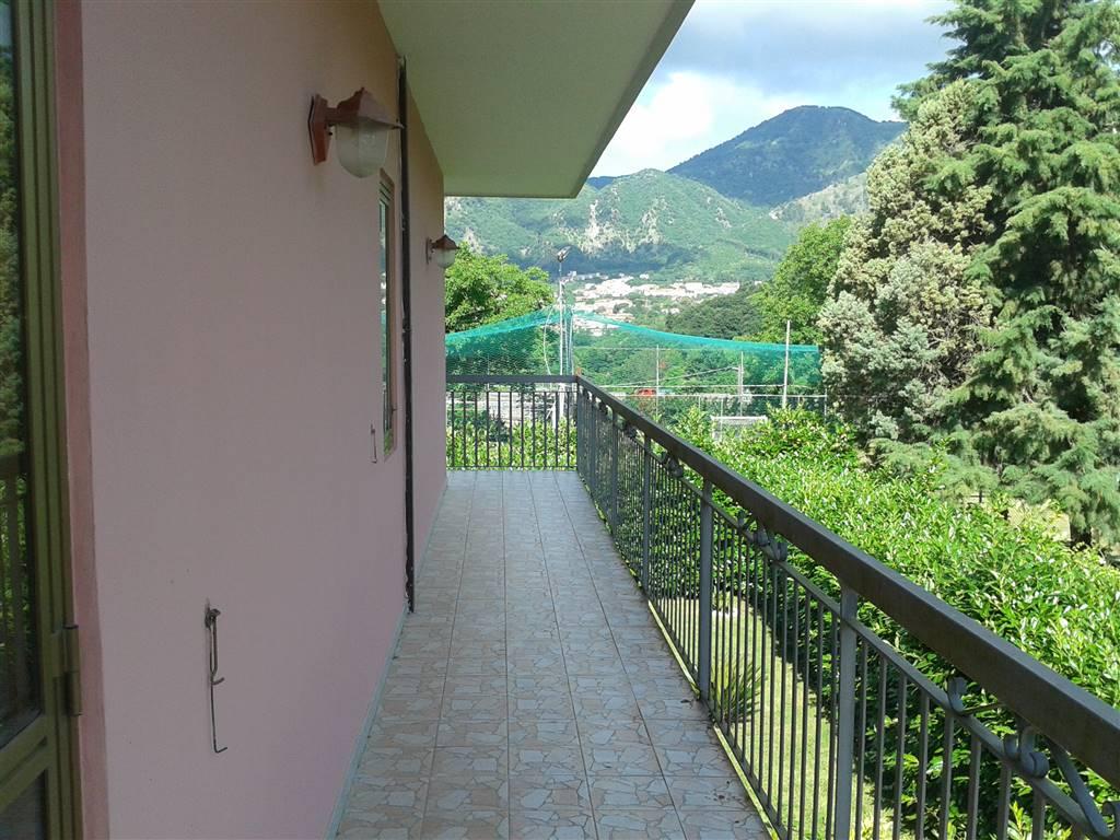 Appartamento in affitto a Baronissi, 4 locali, zona Zona: Antessano, prezzo € 450 | Cambio Casa.it