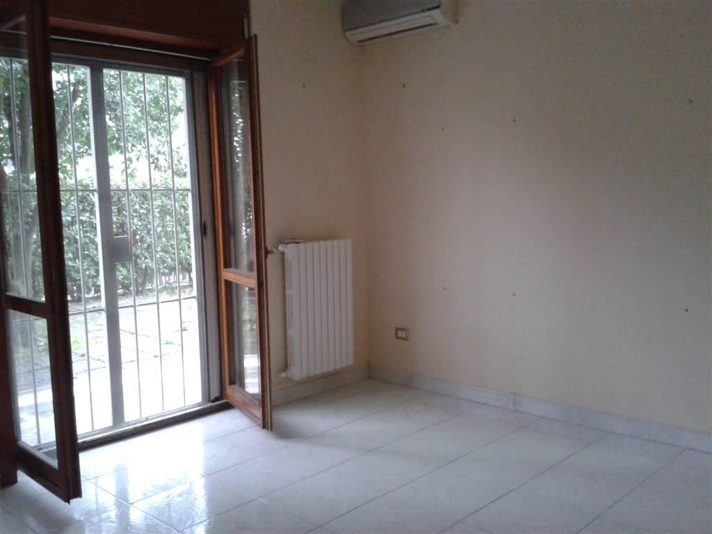 Appartamento in vendita a Baronissi, 3 locali, zona Località: ACQUAMELA AIELLO, Trattative riservate | Cambio Casa.it