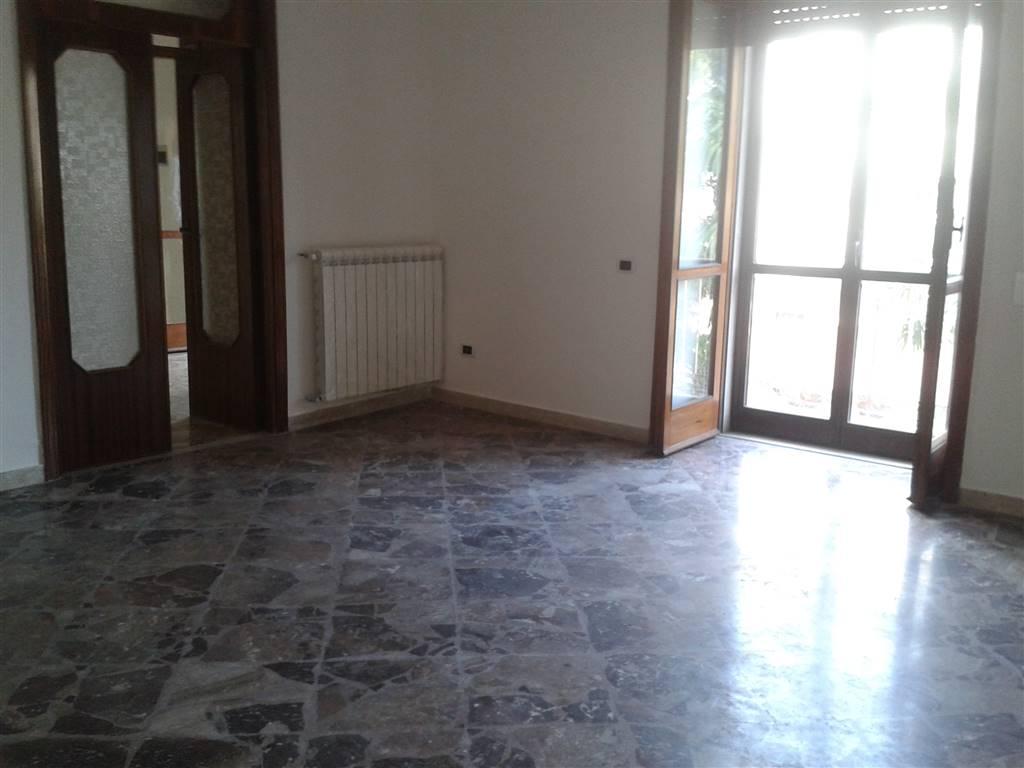 Appartamento in affitto a Baronissi, 3 locali, prezzo € 350 | CambioCasa.it