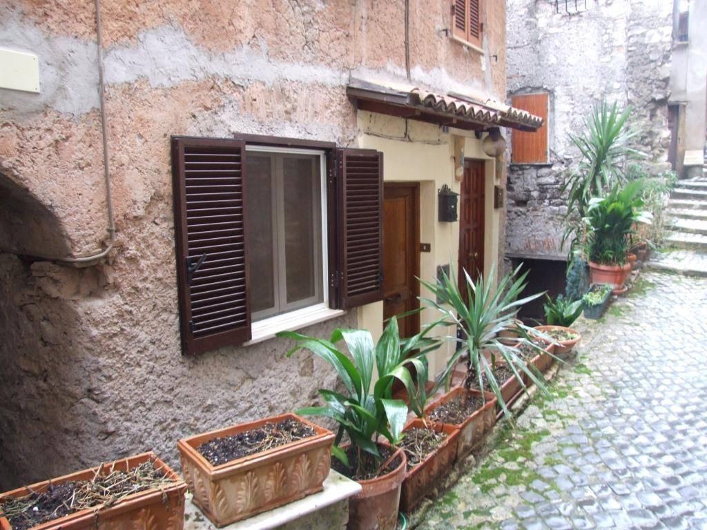 Appartamento in vendita a Piglio, 2 locali, prezzo € 45.000 | CambioCasa.it