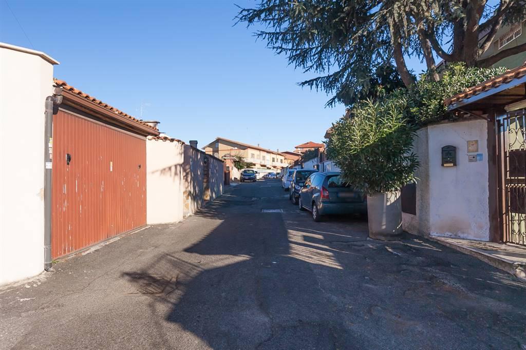 Monolocale in Via Mongrando, Roma