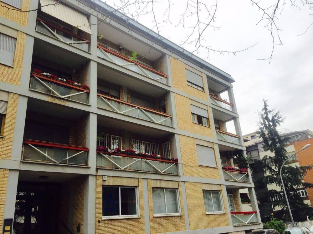 Appartamento in Viale Dell'astronomia, Eur (europa), Laurentino, Montagnola, Roma