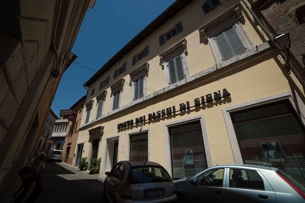 Appartamento in vendita a Amelia, 14 locali, prezzo € 640.000 | CambioCasa.it