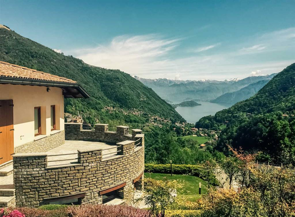 Villa-Villetta Vendita Schignano