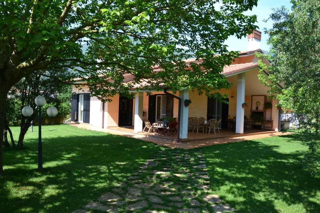 Villa, Monte San Biagio, in ottime condizioni