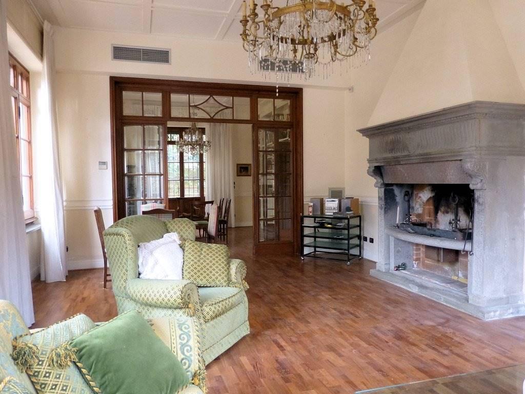 Villa in vendita a Viareggio, 11 locali, zona Località: CENTRO, prezzo € 1.950.000 | Cambio Casa.it