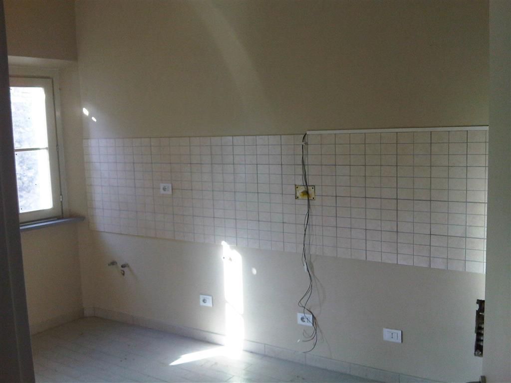 Appartamento in vendita a Lucca, 2 locali, zona Zona: Ponte a Moriano, prezzo € 85.000 | Cambio Casa.it