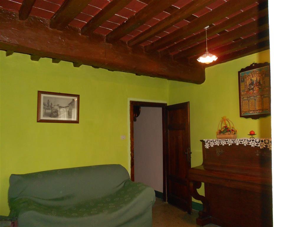 Rustico / Casale in vendita a Camaiore, 6 locali, zona Località: FIBBIANO, prezzo € 195.000 | Cambio Casa.it