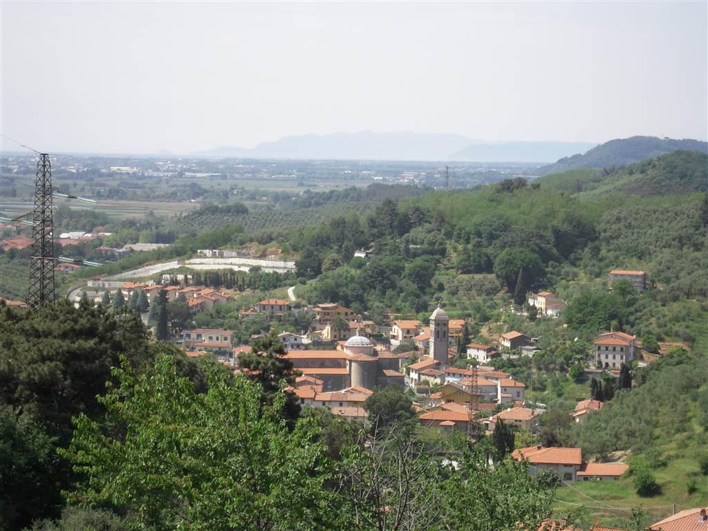 Laboratorio in affitto a Massarosa, 2 locali, zona Zona: Quiesa, prezzo € 500 | Cambio Casa.it