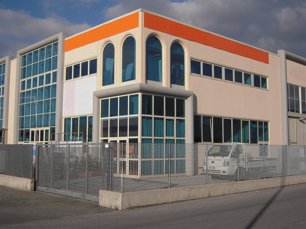 Laboratorio in affitto a Viareggio, 9999 locali, prezzo € 3.000 | Cambio Casa.it