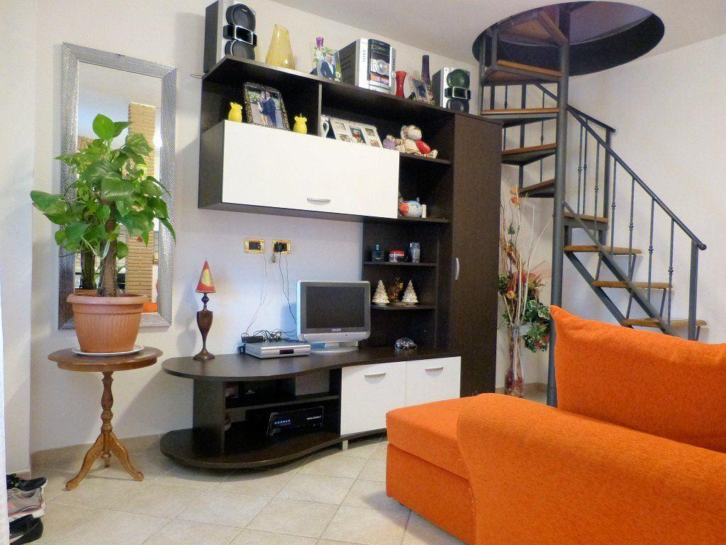 Soluzione Indipendente in vendita a Pietrasanta, 3 locali, zona Zona: Crociale, prezzo € 195.000 | Cambio Casa.it