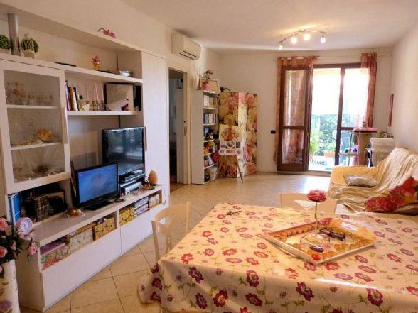 Attico / Mansarda in vendita a Viareggio, 4 locali, zona Località: MIGLIARINA, prezzo € 280.000 | Cambio Casa.it
