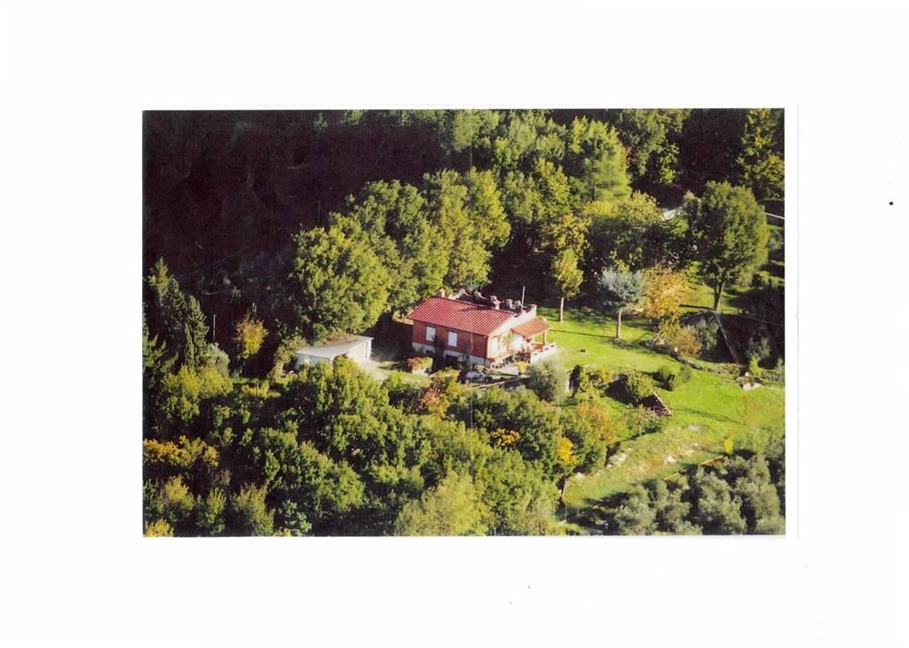 Villa in vendita a Serravalle Pistoiese, 7 locali, prezzo € 350.000 | CambioCasa.it
