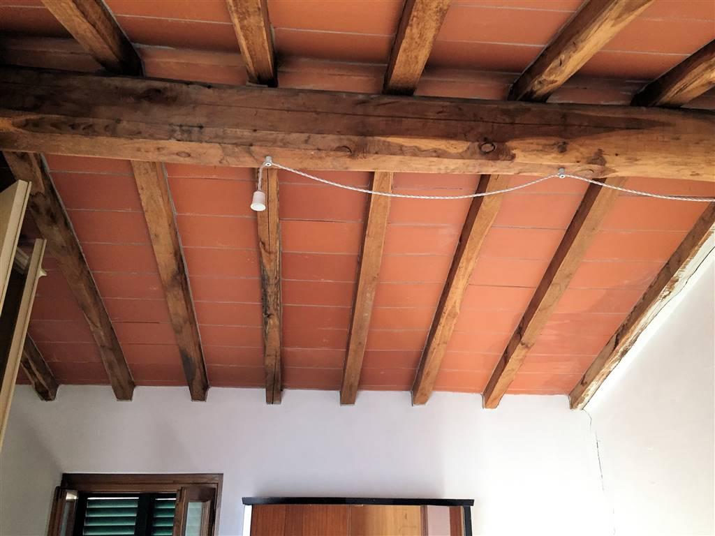 Soluzione Indipendente in vendita a Massarosa, 6 locali, zona Località: MASSAROSA (CAPOLUOGO, prezzo € 150.000 | Cambio Casa.it
