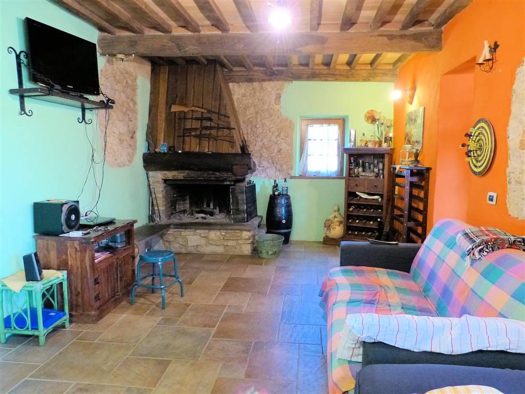 Rustico / Casale in vendita a Pietrasanta, 6 locali, prezzo € 720.000 | CambioCasa.it