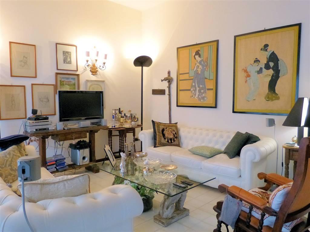 Villa in vendita a Viareggio, 6 locali, zona Località: CAMPO D'AVIAZIONE, prezzo € 495.000 | CambioCasa.it
