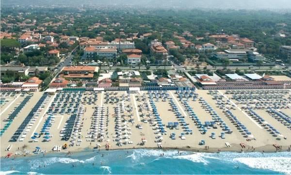 Attività / Licenza in vendita a Pietrasanta, 9999 locali, zona Zona: Marina di Pietrasanta, prezzo € 3.400.000   CambioCasa.it