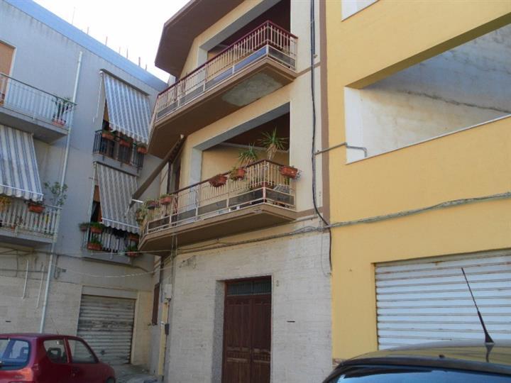 Appartamento in vendita a Mazara del Vallo, 5 locali, zona Località: TRASMAZZARO, prezzo € 70.000 | Cambio Casa.it