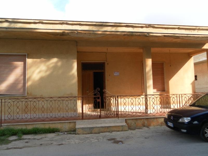 Soluzione Indipendente in vendita a Petrosino, 4 locali, prezzo € 75.000 | Cambio Casa.it