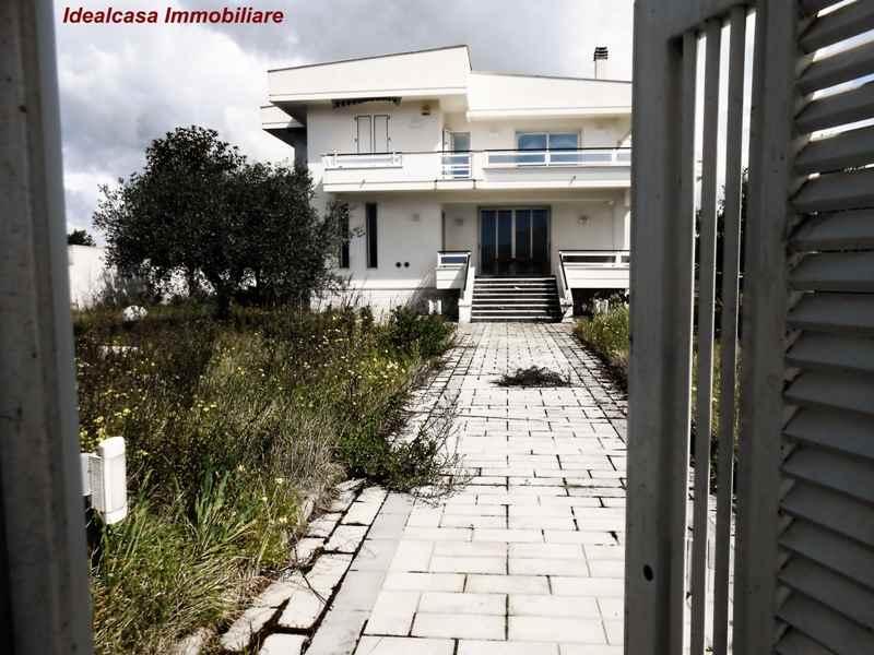 Villa in vendita a Mazara del Vallo, 12 locali, zona Località: TONNARELLA, Trattative riservate | Cambio Casa.it