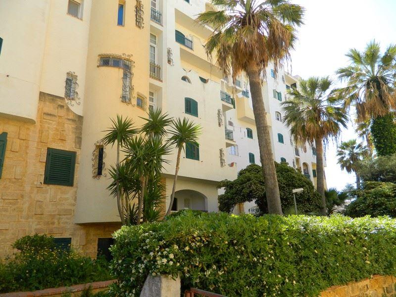 Appartamento in vendita a Mazara del Vallo, 5 locali, zona Località: LUNGOMARE HOPPS, prezzo € 150.000 | CambioCasa.it