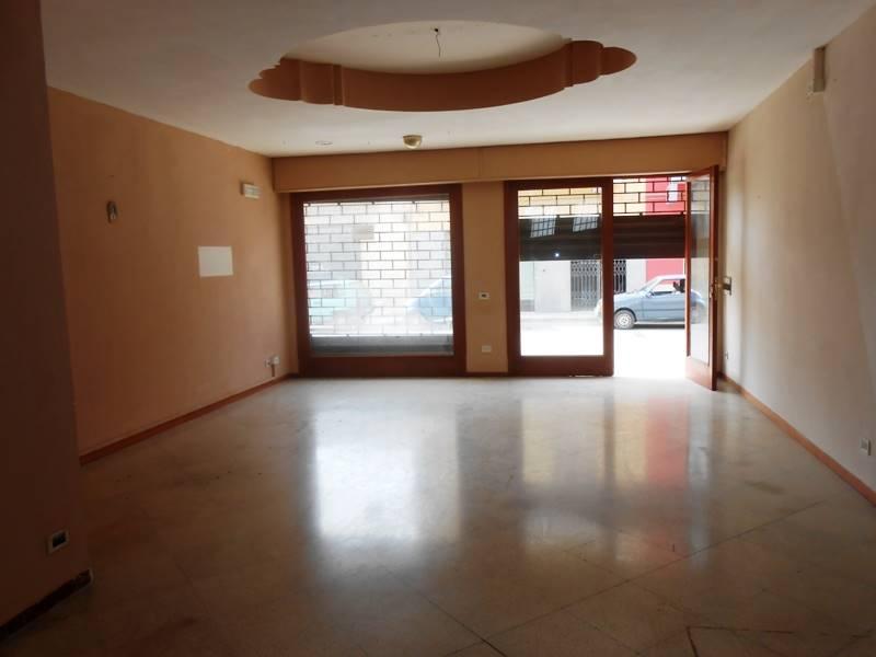 Attività / Licenza in vendita a Marsala, 1 locali, zona Zona: Strasatti, prezzo € 60.000 | CambioCasa.it