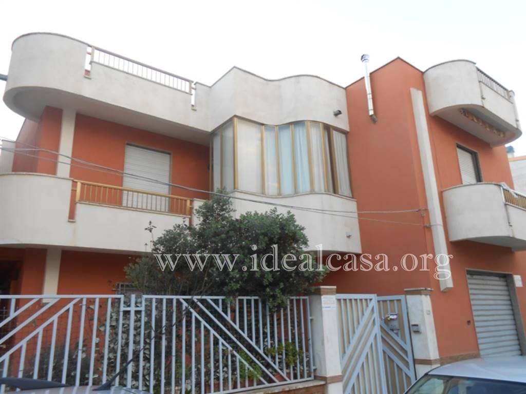 Soluzione Indipendente in vendita a Mazara del Vallo, 10 locali, zona Località: TRE VALLI, prezzo € 165.000 | CambioCasa.it