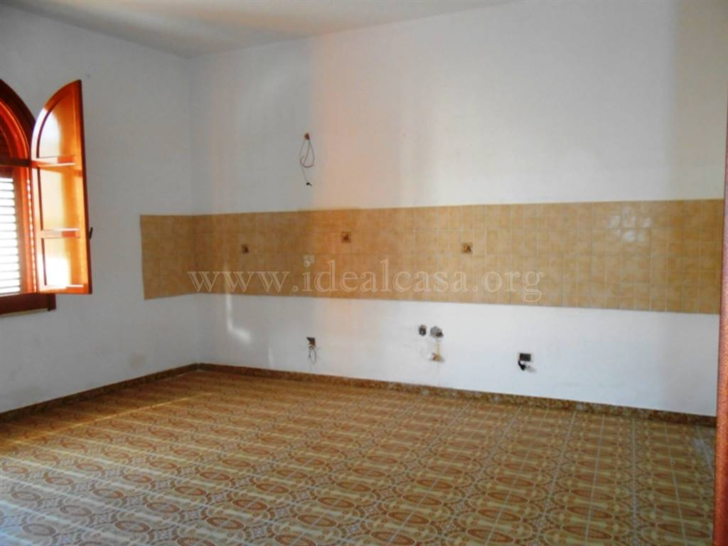 Soluzione Indipendente in affitto a Mazara del Vallo, 4 locali, zona Località: TRE VALLI, prezzo € 350 | Cambio Casa.it