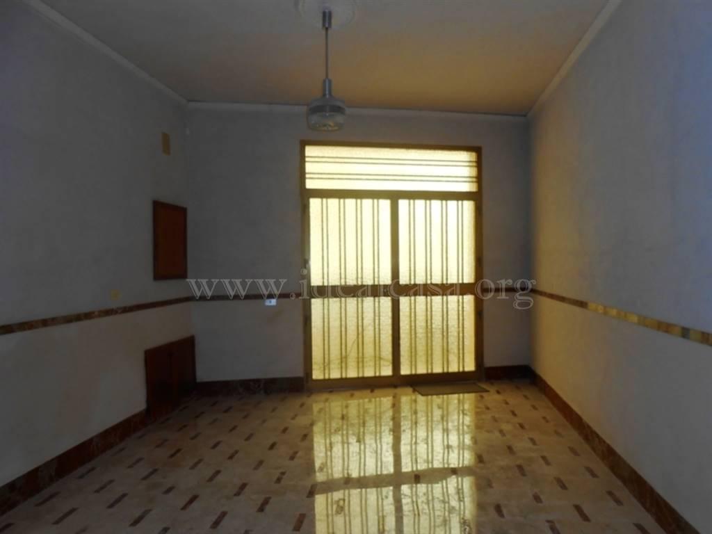 Appartamento in affitto a Mazara del Vallo, 4 locali, zona Località: TRE VALLI, prezzo € 320 | Cambio Casa.it