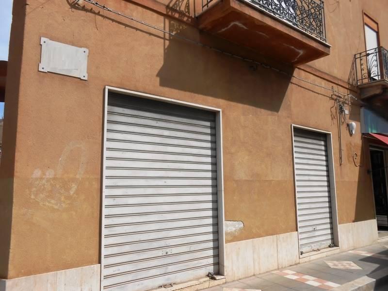 Magazzino in affitto a Mazara del Vallo, 3 locali, zona Località: CENTRO, prezzo € 200 | CambioCasa.it