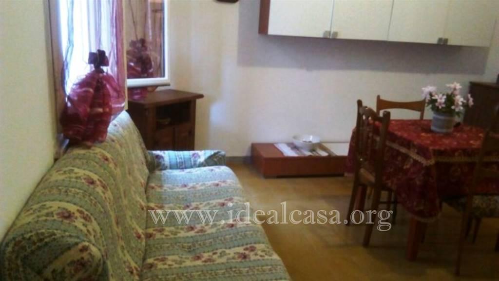 Appartamento in affitto a Mazara del Vallo, 3 locali, zona Località: VIA CASTELVETRANO, Trattative riservate | CambioCasa.it