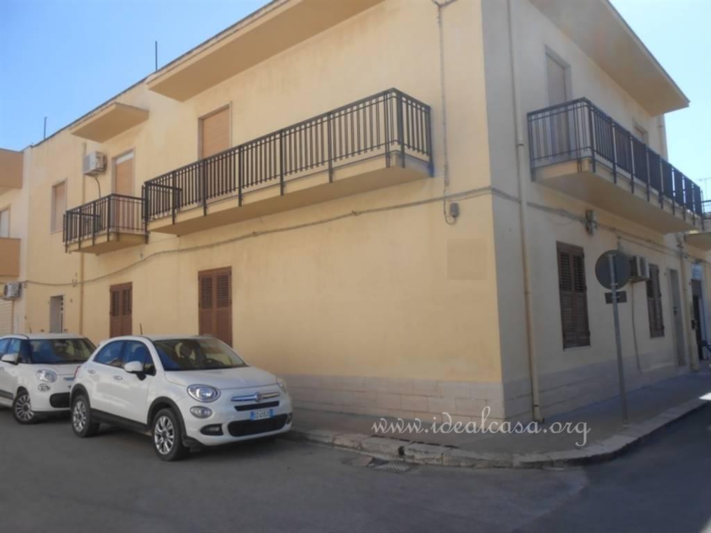 Appartamento in vendita a Mazara del Vallo, 5 locali, zona Località: CENTRO, prezzo € 135.000 | CambioCasa.it