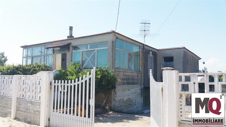 Villa in vendita a Mondragone, 3 locali, prezzo € 58.000 | Cambio Casa.it