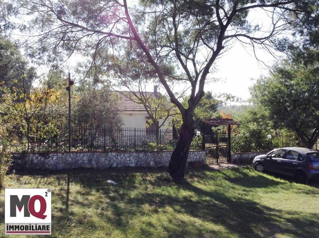 Villa in vendita a Galluccio, 3 locali, zona Zona: Galluccio, prezzo € 65.000 | CambioCasa.it