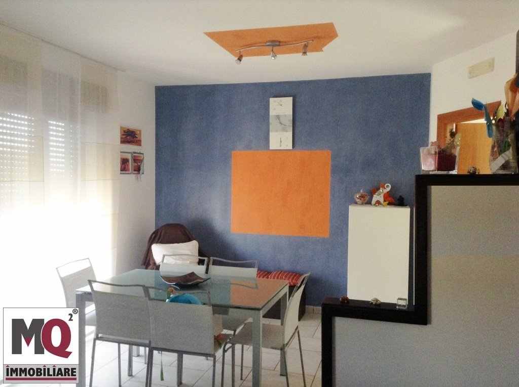 Appartamento in vendita a Mondragone, 4 locali, prezzo € 138.000   Cambio Casa.it