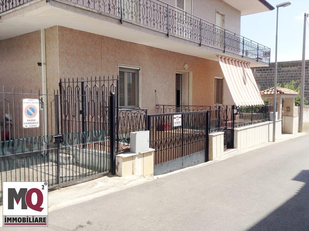 Appartamento in vendita a Falciano del Massico, 5 locali, prezzo € 85.000 | Cambio Casa.it