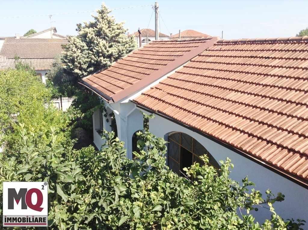Villa in vendita a Castel Volturno, 2 locali, prezzo € 69.000 | Cambio Casa.it