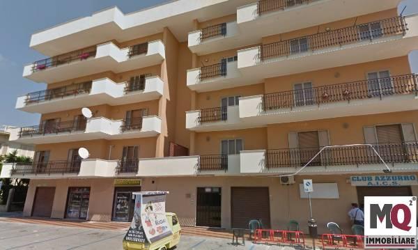 Box / Garage in vendita a Mondragone, 5 locali, prezzo € 5.000 | Cambio Casa.it