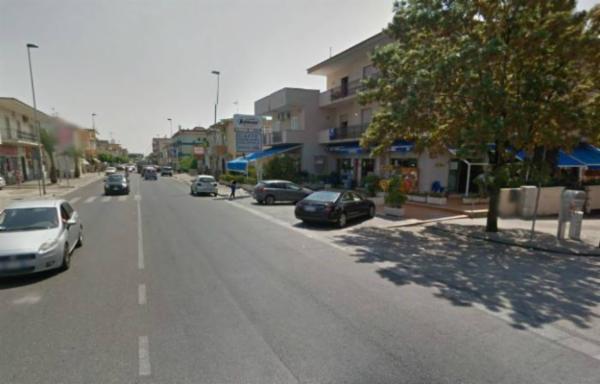 Negozio / Locale in Vendita a Mondragone