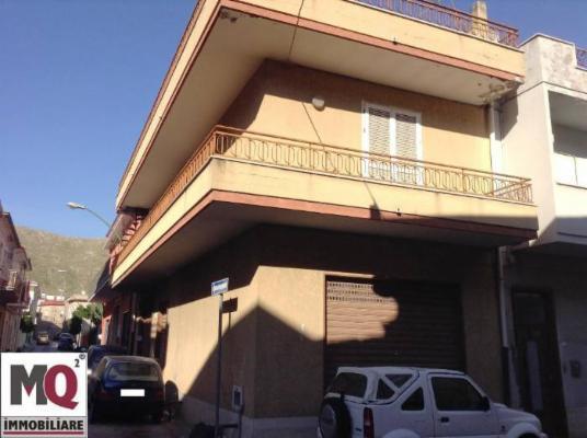 Soluzione Indipendente in vendita a Mondragone, 3 locali, prezzo € 120.000 | CambioCasa.it