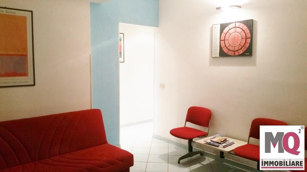 Ufficio / Studio in vendita a Formia, 8 locali, prezzo € 225.000 | Cambio Casa.it