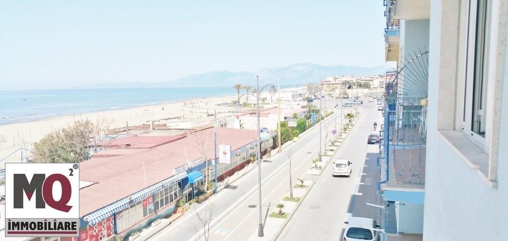 Appartamento in vendita a Mondragone, 2 locali, zona Zona: Zona Lido, prezzo € 95.000 | Cambio Casa.it