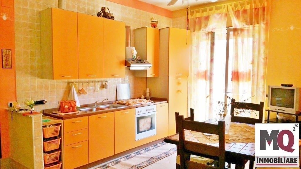 Appartamento in affitto a Mondragone, 3 locali, zona Zona: Zona Lido, prezzo € 350 | Cambio Casa.it