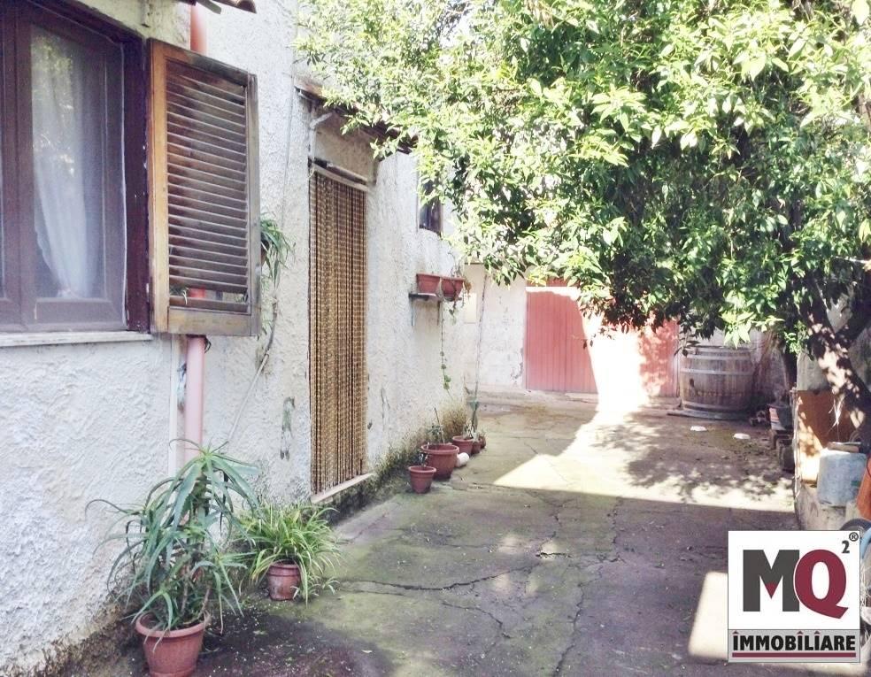 Soluzione Indipendente in vendita a Mondragone, 5 locali, prezzo € 79.000 | Cambio Casa.it