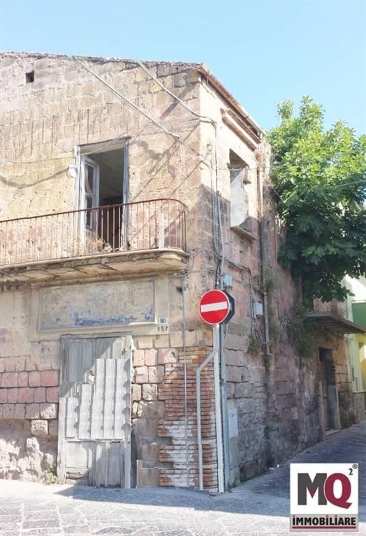 Soluzione Indipendente in vendita a Mondragone, 3 locali, zona Zona: Piazza, prezzo € 45.000 | CambioCasa.it