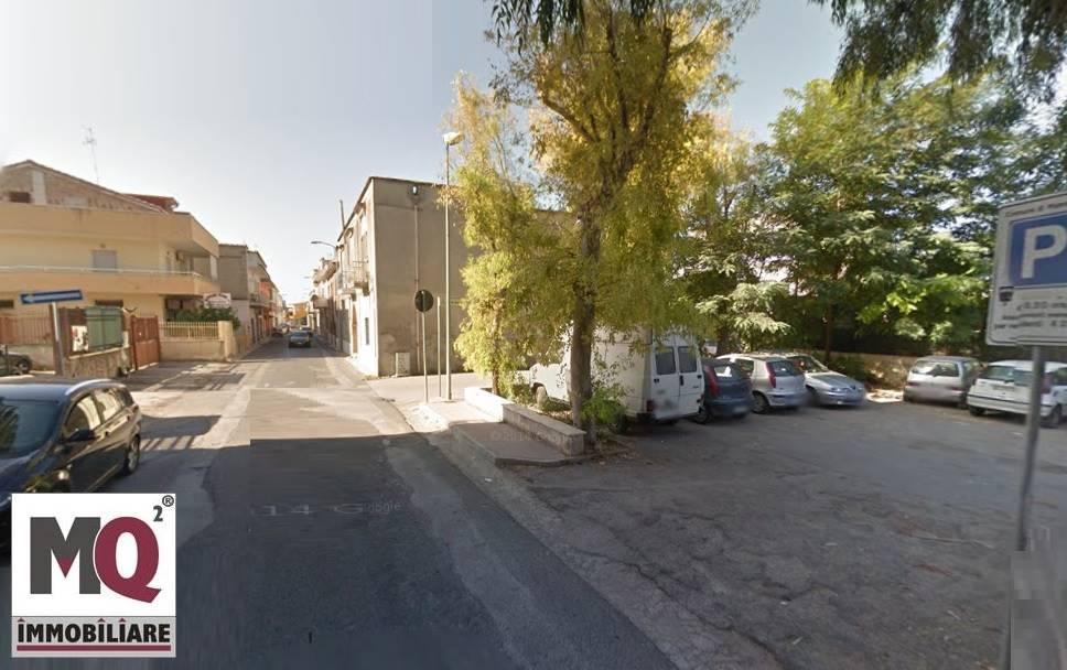 Ufficio / Studio in affitto a Mondragone, 4 locali, zona Zona: San Nicola, prezzo € 150 | Cambio Casa.it