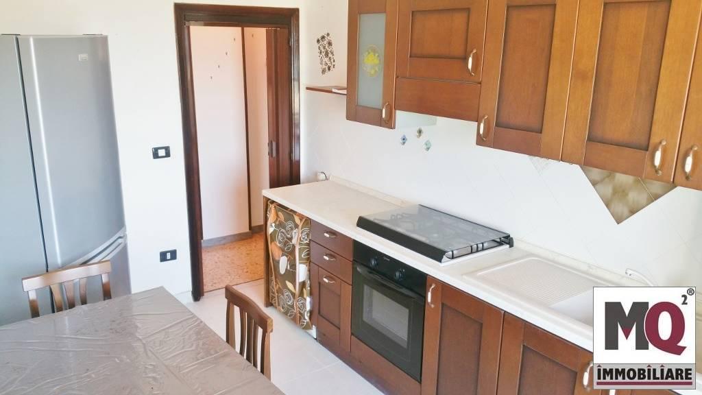 Appartamento in vendita a Mondragone, 3 locali, prezzo € 70.000 | CambioCasa.it