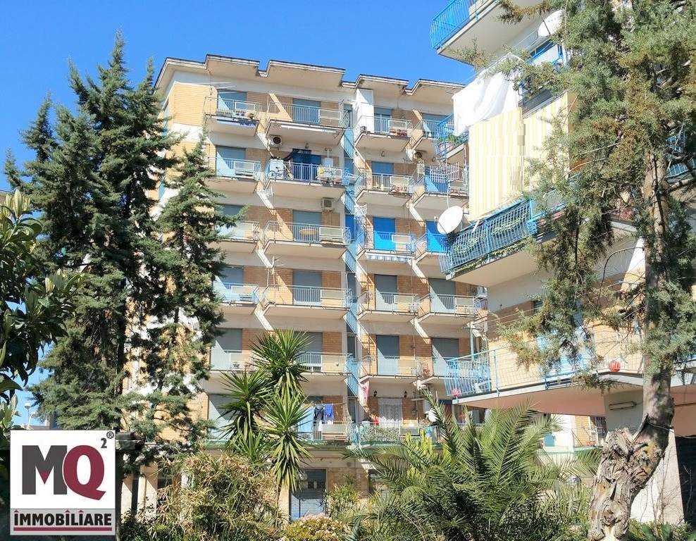 Appartamento in vendita a Mondragone, 3 locali, zona Zona: San Nicola, prezzo € 65.000 | CambioCasa.it
