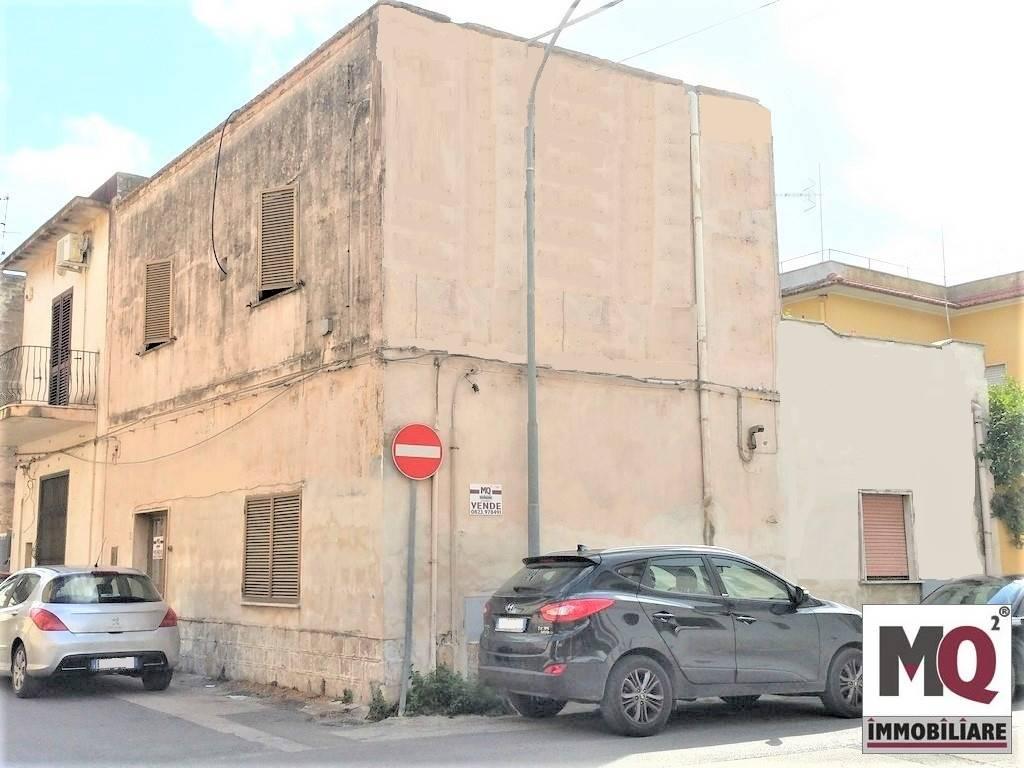 Soluzione Indipendente in vendita a Mondragone, 4 locali, prezzo € 45.000 | CambioCasa.it