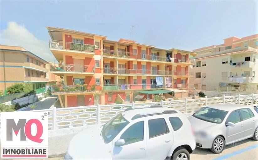 Appartamento in vendita a Mondragone, 3 locali, zona Zona: Zona Lido, prezzo € 45.000 | CambioCasa.it